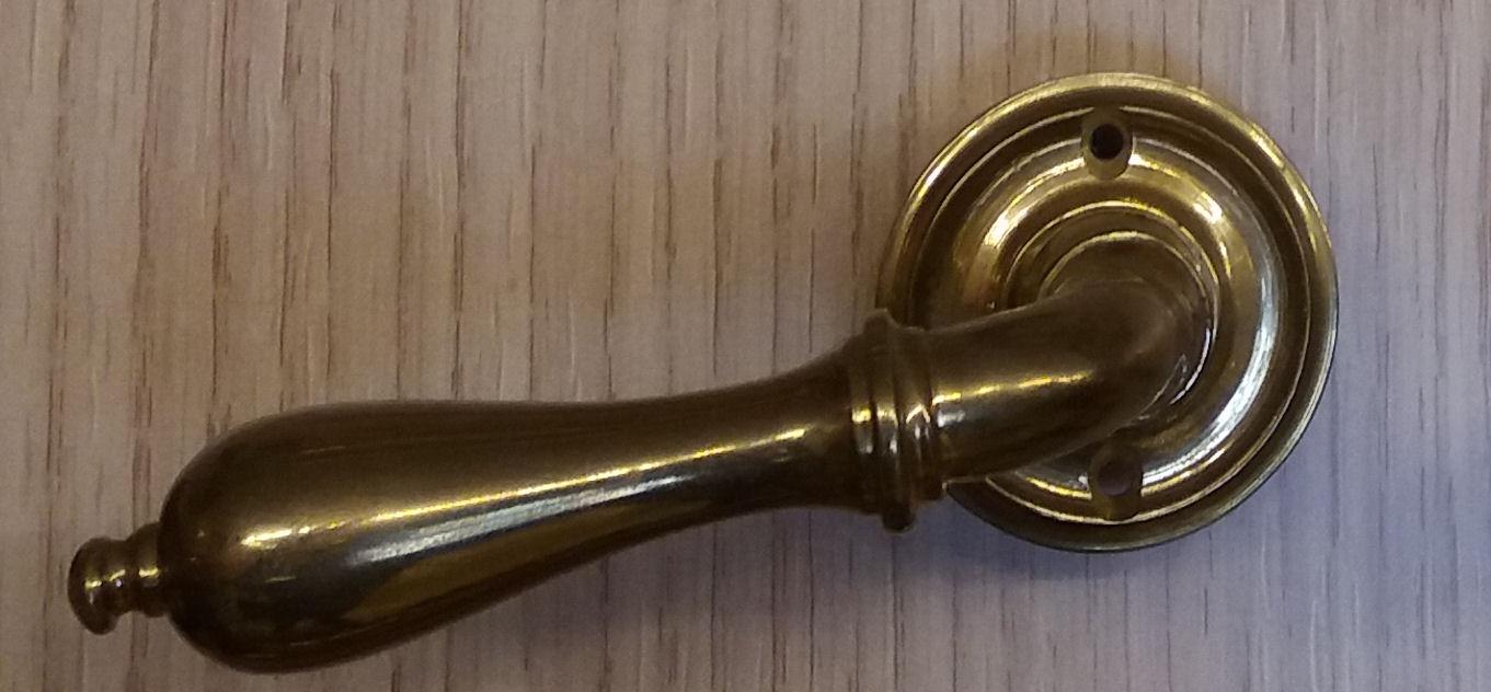 Ht140 maniglia da porta in ottone fratelli pinci - Maniglia porta finestra ...