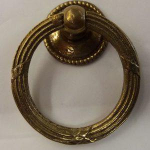 anello snodato decorato con fascio consolare